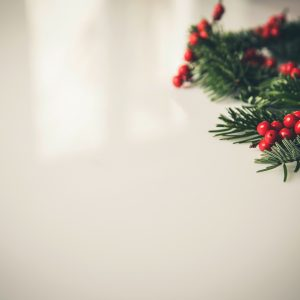 5-simple-ways-to-bring-holiday-cheer-to-the-office
